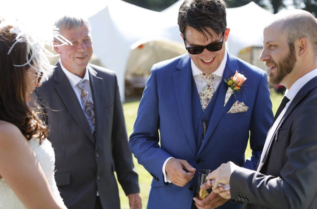 Tips on Hiring a Magician for your Wedding, Event or Party.